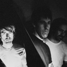 A PLACE TO BURY STRANGERS | x-why-z